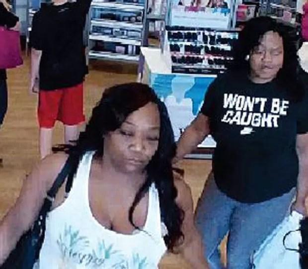 Ladra usou camiseta 'não serei pega' ao ser flagrada em roubo em loja (Foto: Hillsborough County Sheriff's Office)
