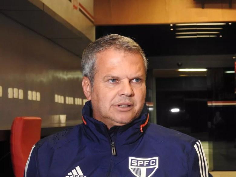 Carlinhos Neves pediu demissão do São Paulo e desligamento foi confirmado nesta sexta-feira — Foto: Marcelo Hazan