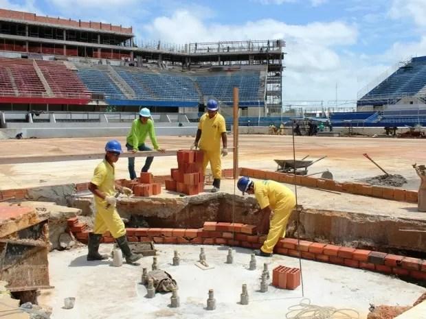 Ritmo das obras no Bumbódromo de Parintins foram intensificados (Foto: Adneison Severiano/G1 AM)