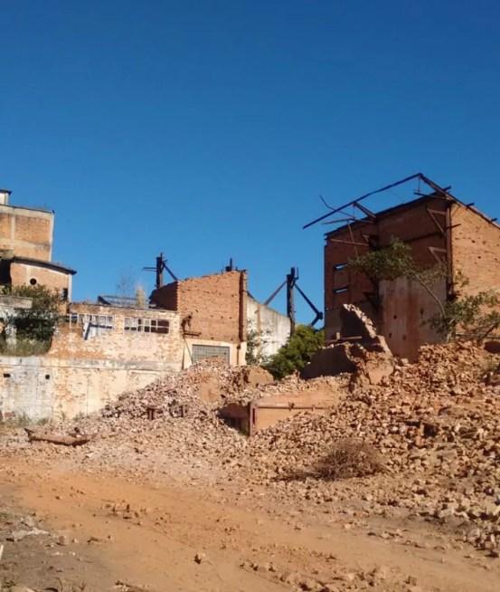 Professora universitária flagrou a destruição parcial dos fornos da usina de Cambaíba, no RJ — Foto: Ana Costa/ Arquivo Pessoal