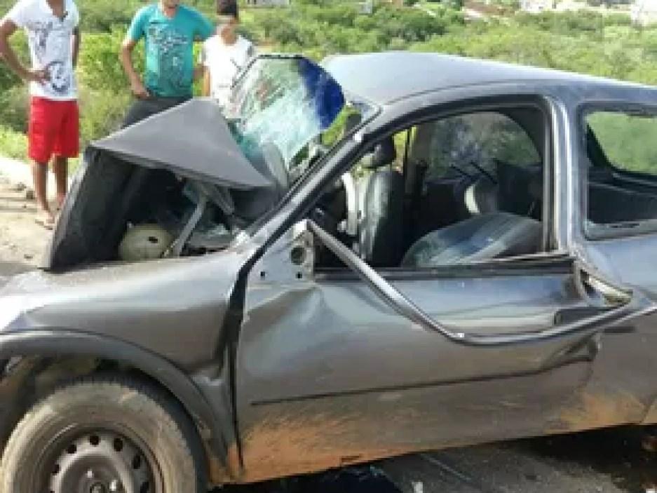 Colisão frontal na BR-349 deixa um idoso morto e outro homem ferido (Foto: blogbraga / Diogo Gomes)