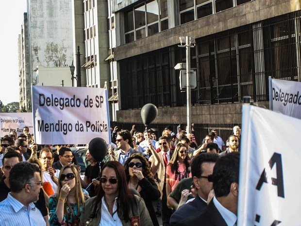 Policiais civis fazem protesto na região central de São Paulo. (Foto: Marco Ambrósio/Frame/Estadão Conteúdo)