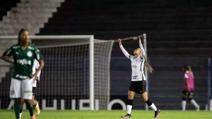 Vic Albuquerque igualou para o Corinthians