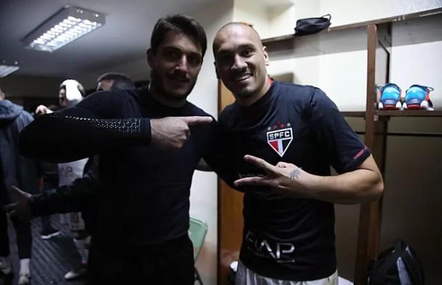 """""""Goleiros"""" Denis e Maicon, do São Paulo, contra o The Strongest (Foto: Rubens Chiri / www.saopaulofc.net)"""