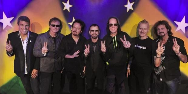 Ringo Starr e os membros da banda All-Starr Band (Foto: Rob Shanahan/Divulgação)
