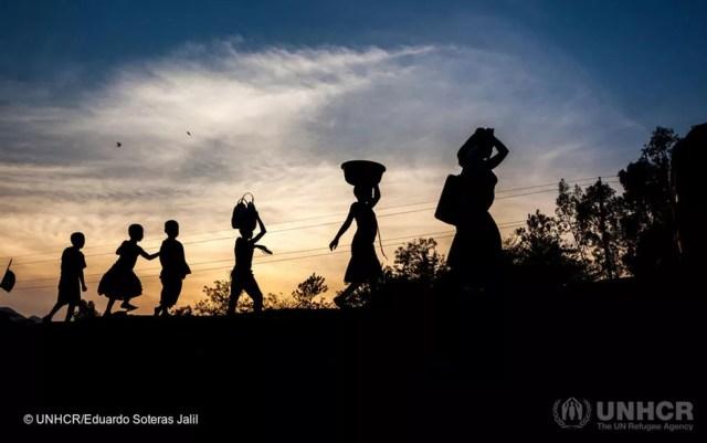 Cidadãos do Burundi buscam refúgio no país vizinho, a República Democrática do Congo — Foto: UNHCR/Eduardo Soteras Jalil