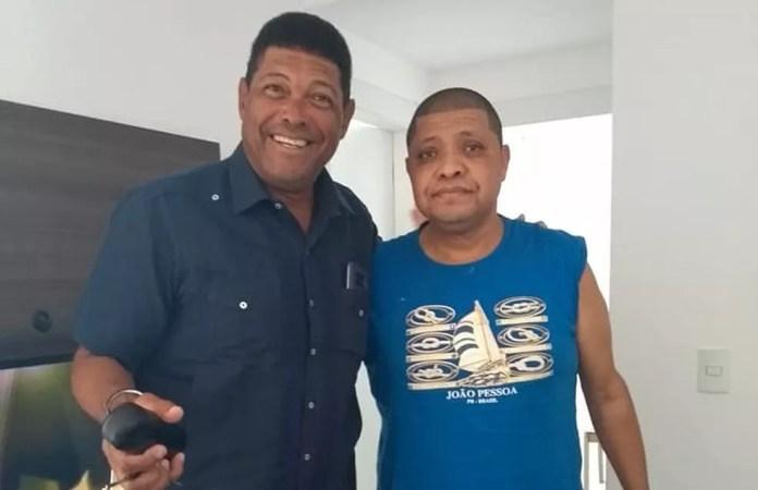 Valdemiro Santiago (à esq.) e o irmão, Valderley Santiago (à dir.) — Foto: Reprodução/Facebook