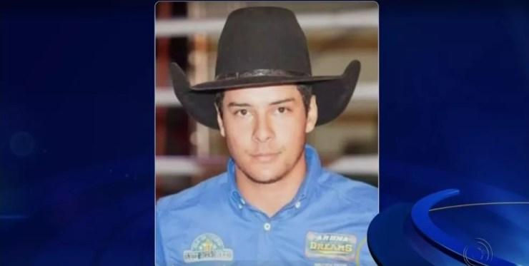 Uéliton Flávio de Oliveira morreu pisoteado por um touro em Paranaíba (MS) (Foto: Reprodução)