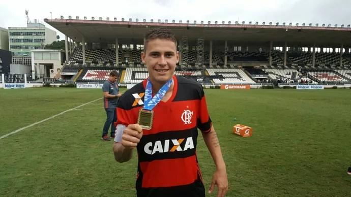 Matheus Sávio Flamengo (Foto: Felipe Schmidt)
