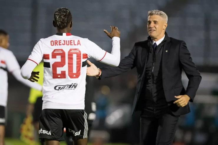 Crespo comemora o gol do São Paulo com Orejuela: time está muito próximo da vaga — Foto: Staff images /CONMEBOL