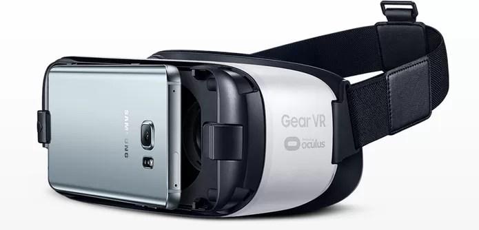 Óculos de realidade virtual Gear VR usa smartphone acoplado na parte frontal (Foto: Divulgação/Samsung) (Foto: Óculos de realidade virtual Gear VR usa smartphone acoplado na parte frontal (Foto: Divulgação/Samsung))