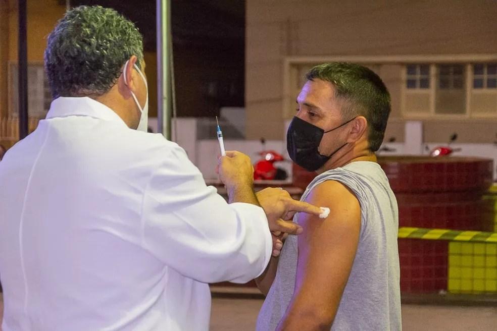 Público acima dos 35 anos tomou a primeira dose do imunizante contra a Covid-19 — Foto: Divulgação/Secretaria de Saúde de Cruzeiro do Sul