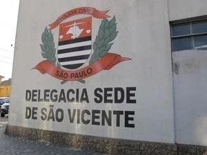 Homens são presos em São Vicente com carro roubado na capital paulista