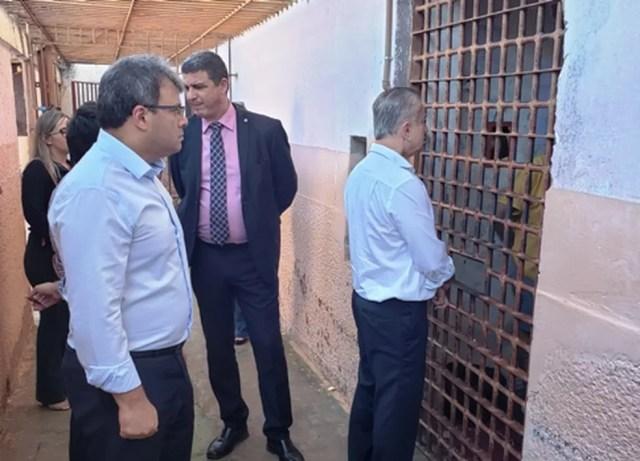 Comissão está percorrendo várias unidades prisionais — Foto: TJMT/ Assessoria