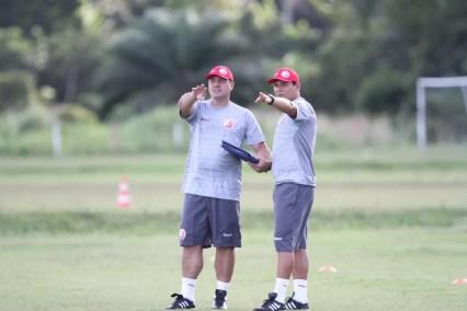 Márcio Goiano comandou o primeiro treinamento na última terça-feira (Foto: Marlon Costa/Pernambuco Press)