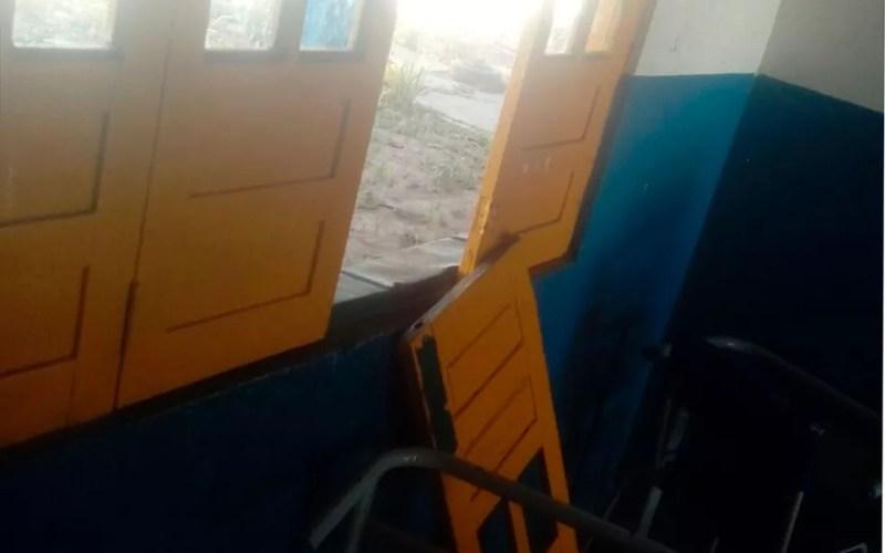 Escola foi arrombada na madrugada de sexta-feira (Foto: ASCOM/Prefeitura Municipal de São Gonçalo dos campos)
