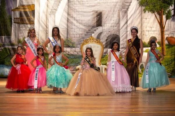 Alagoana de 7 anos desbancou outras 5 concorrentes e foi eleita little miss — Foto: Welington Costa/Divulgação
