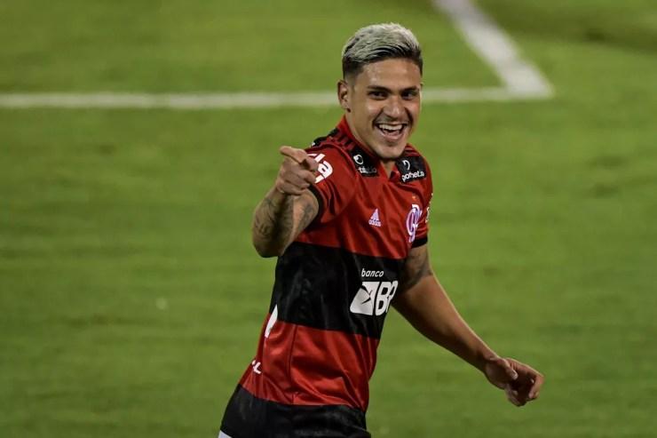 Pedro marca três vezes na vitória do Flamengo — Foto: Thiago Ribeiro/AGIF