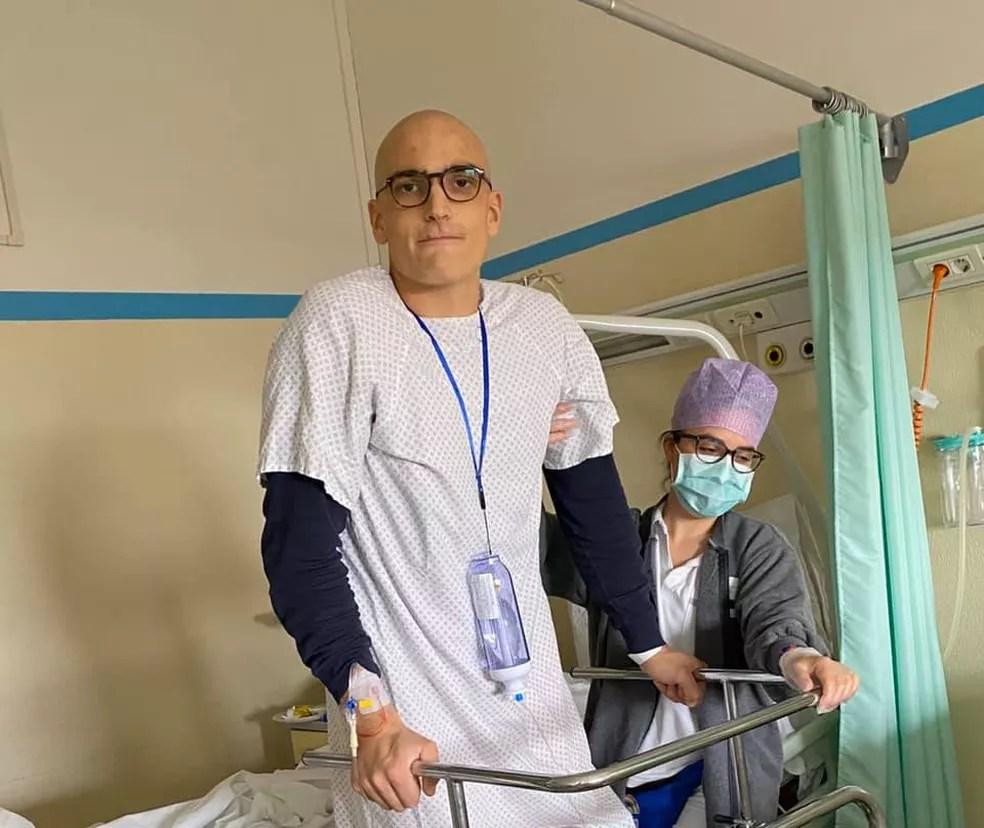 Mondelli durante o tratamento para o câncer — Foto: Arquivo pessoal