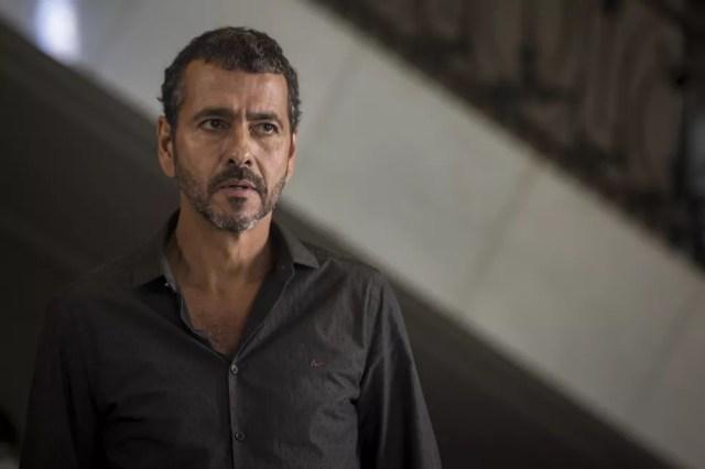 Amadeu (Marcos Palmeira) confronta Régis, em 'A Dona do Pedaço': 'Sou o primeiro interessado nesse divórcio' — Foto: Globo