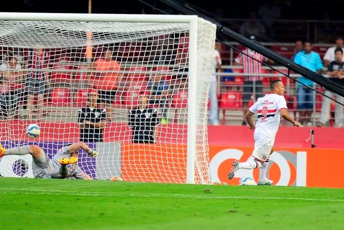 São Paulo X Corinthians - Luís Fabiano comemora gol (Foto: Marcos Ribolli)