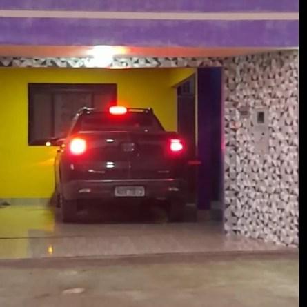 Carro encontrado na garagem de um dos imóveis do suspeito em Nova Mamoré — Foto: Polícia Civil/Reprodução