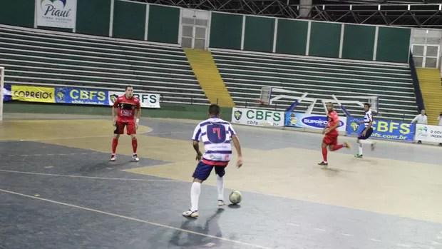 Joelson foi o destaque do Piauí na partida (Foto: Wenner Tito/Globoesporte.com)