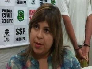 """""""As investigações confirmaram o suspeito como autor do crime"""", disse a delegada Mariana Amorim em Aracaju (Foto: Flávio Antunes/G1)"""