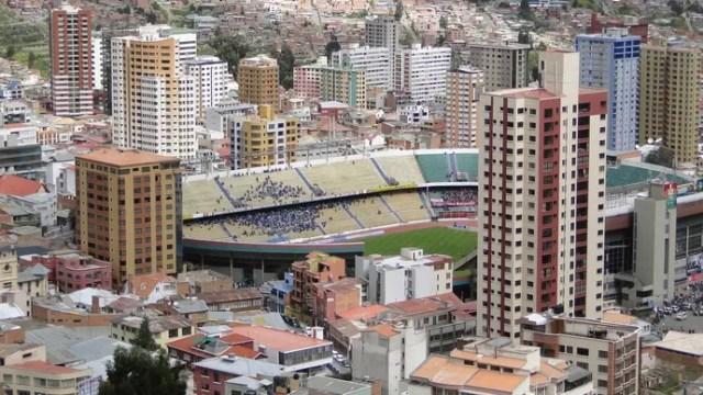 Visão aérea da cidade de La Paz (Foto: Léo Simonini / Globoesporte.com)