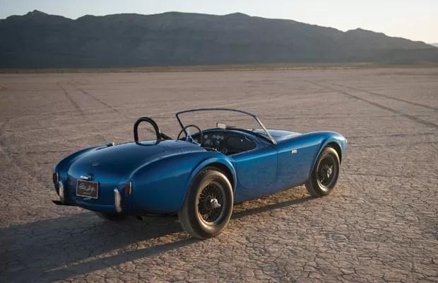 Cor do Shelby Cobra foi mudada umas seis vezes (Foto: Divulgação)
