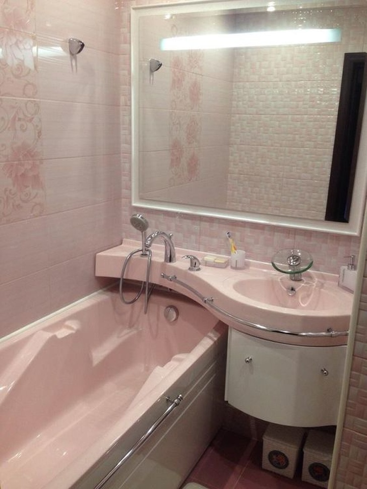 坪數小照樣放浴缸!13個「有效使用每個角落」的浴室佈置法 東西沒位置放「鏡子輕鬆解決」網友搶著學 ...