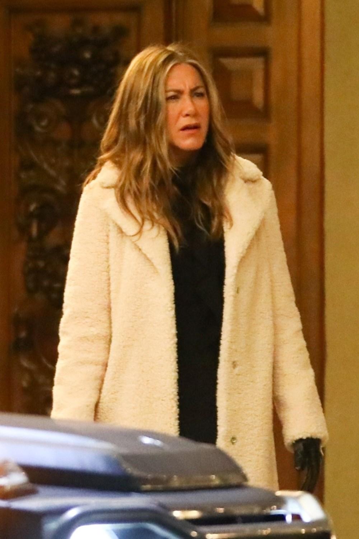 Jennifer Aniston on the set