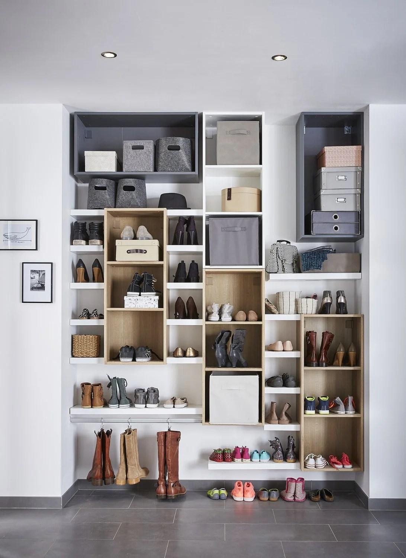 Un mur de rangement  chaussures  Leroy Merlin