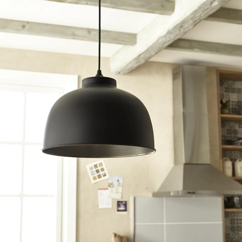 Lincontournable luminaire industriel  Leroy Merlin