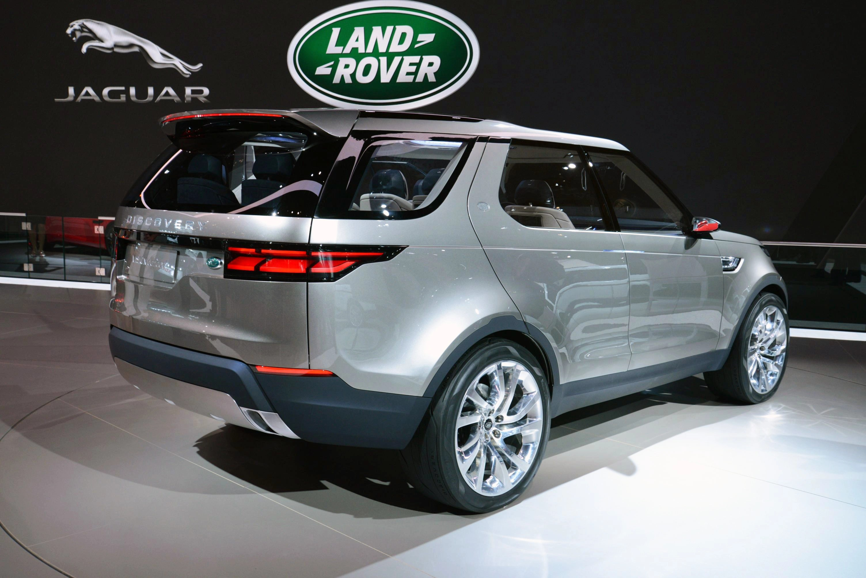 100 [ Land Rover Suv Price ]