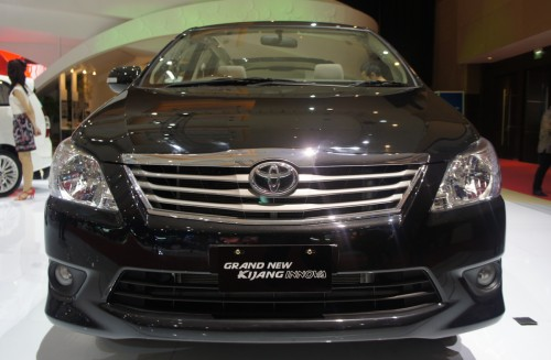 grand new kijang innova harga all reborn 2011 toyota gets updated looks in malaysia