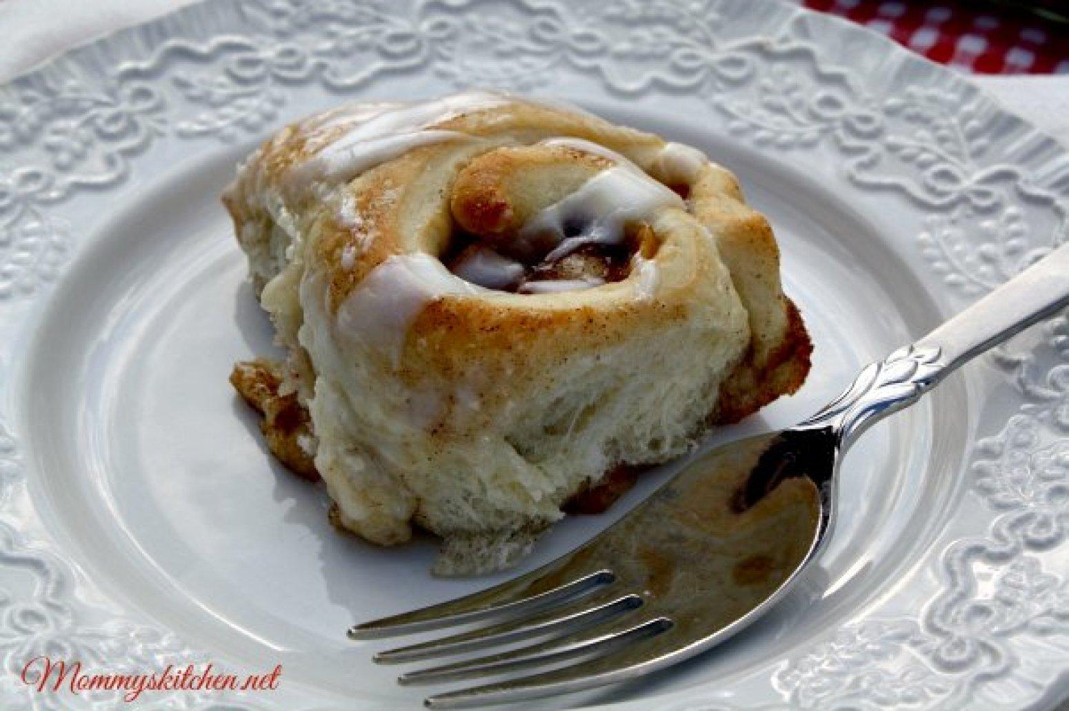 apple pie cinnamon rolls recipe 3 just a pinch recipes