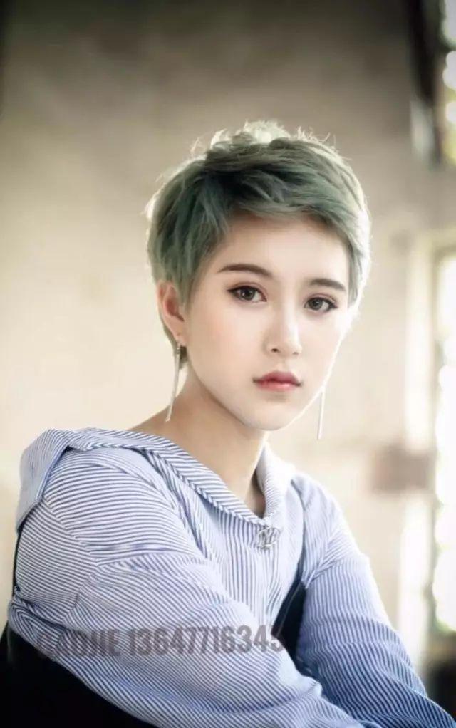2019年夏天,10款適合中年女士的短髮髮型,時尚又流行!漂亮又大氣!快看看你適合怎樣的短髮吧! - 讀讀