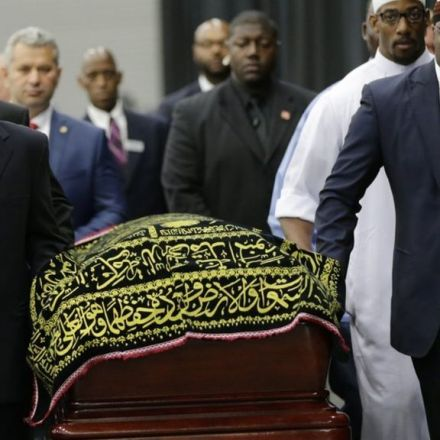 Muhammad Ali memorial begins with Muslim prayer service