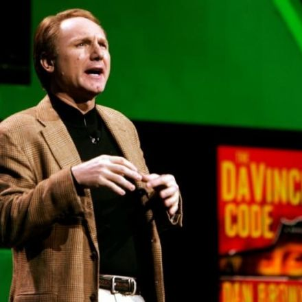Da Vinci Code's Dan Brown donates 300,000 euros to Dutch library