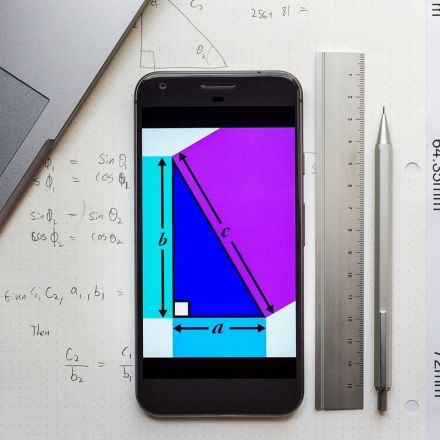 We're gonna need Pythagoras' help to compare screen sizes in 2017
