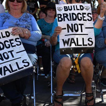 Mexicans who help build Trump wall 'traitors,' says Catholic Church