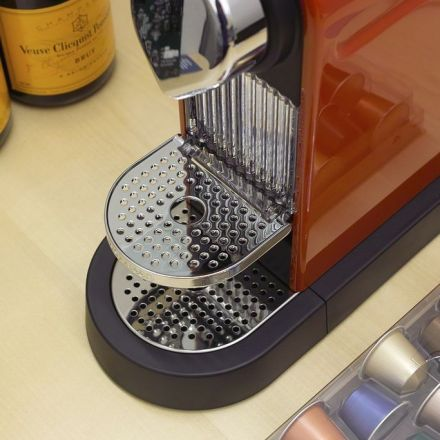 A pioneering pool of enterobacteria lead the charge in colonising your coffee machine leach tray