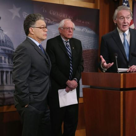 Democrats are readying an all-out war to stop the FCC from killing net neutrality rules