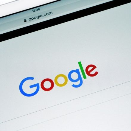 """Google Asked to Remove a Billion """"Pirate"""" Search Results in a Year"""