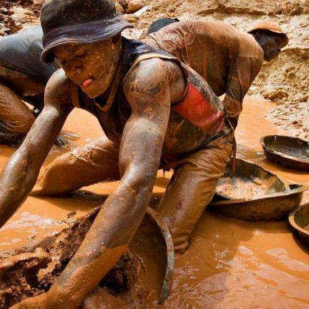 Trump order on conflict minerals would send warlords carte blanche signal, say critics