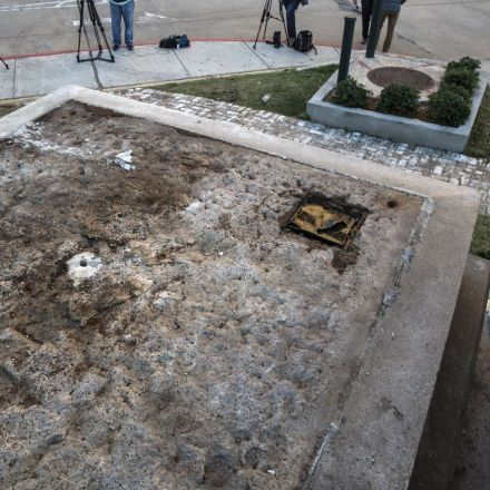 Removal of the first of four New Orleans Confederate monuments begins with Liberty Place