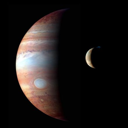 Jupiter Looms Large and 9 More Can't-Miss Sky Events in April