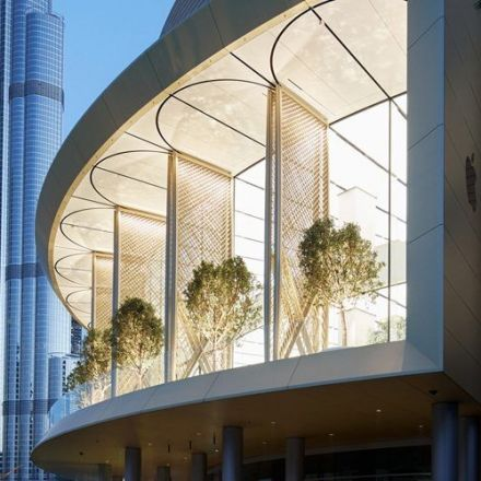 Apple shows off Dubai Mall store with 'stunning views', motorized carbon fiber windows