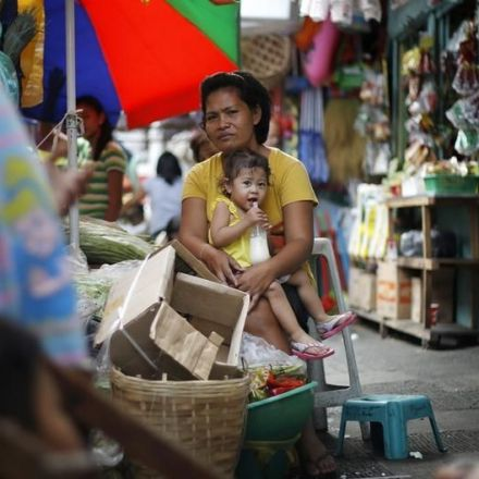 Filipino women struggle for birth control